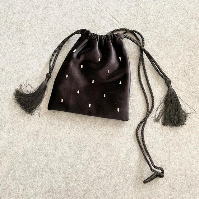 IENA(イエナ)のLOWRYS FARM ベロアビーズキンチャク レディースのバッグ(ハンドバッグ)の商品写真