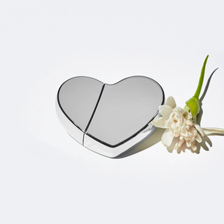 カイリーコスメティックス(Kylie Cosmetics)のKKW FRAGRANCE KKW HEARTS SILVER(香水(女性用))