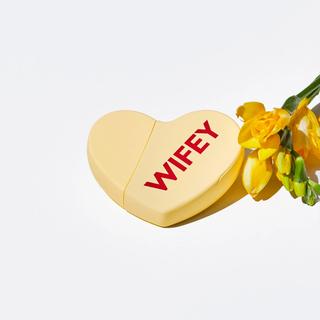 カイリーコスメティックス(Kylie Cosmetics)のKKW FRAGRANCE KKW HEARTS WIFEY(香水(女性用))