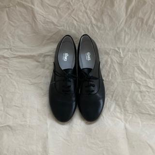 アトリエドゥサボン(l'atelier du savon)のLa TENACE ブラック ドレスシューズ(ローファー/革靴)