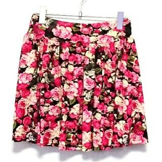 シマムラ(しまむら)の新品 赤 レッド 花柄 スカート しまむら アベイル(ミニスカート)