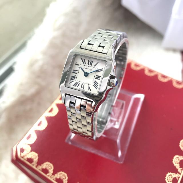 Cartier(カルティエ)の美品✨カルティエCartierサントスドゥモワゼル♡ ホワイト文字盤 レディースのファッション小物(腕時計)の商品写真