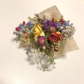 ドライフラワー バラと小花のスワッグ 67 オレンジ かすみ草(ドライフラワー)