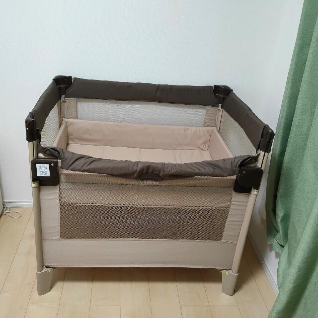 Aprica(アップリカ)のアップリカ ココネル 折りたたみ式ベビーベッド キッズ/ベビー/マタニティの寝具/家具(ベビーベッド)の商品写真