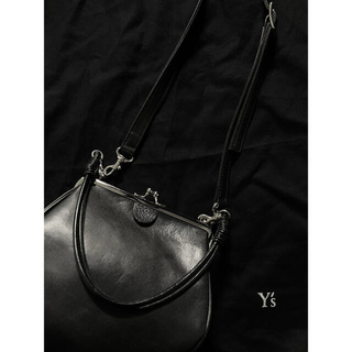 ヨウジヤマモト(Yohji Yamamoto)のヨウジヤマモト ワイズ y's がま口 立体変形ショルダーバッグ(ショルダーバッグ)