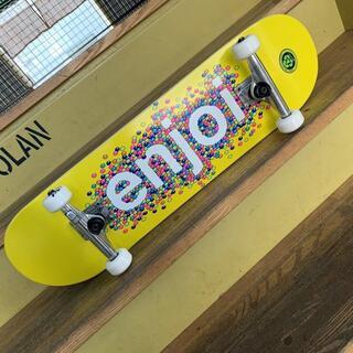 エンジョイ(enjoi)のENJOI エンジョイ 8.25 x 32 スケートボードコンプリート(スケートボード)
