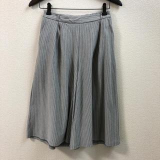 ジーユー(GU)のフレアースカートパンツ(キュロット)