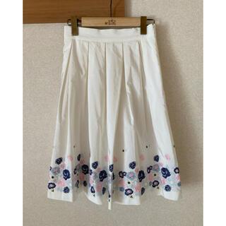 レストローズ(L'EST ROSE)のレストローズ 刺繍スカート(ひざ丈スカート)