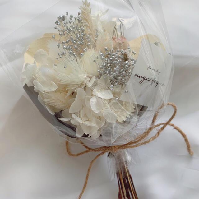 オールホワイト ドライフラワー 花束 ブーケ スワッグ ギフト 母の日 ハンドメイドのフラワー/ガーデン(ドライフラワー)の商品写真