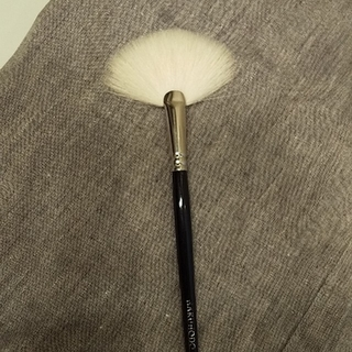 ハクホウドウ(白鳳堂)の白鳳堂 扇筆 J4004(チーク/フェイスブラシ)