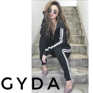 GYDA - GYDA クロスポイントラインジャージ スウェット セットアップ