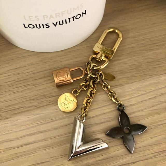 LOUIS VUITTON(ルイヴィトン)のルイヴィトン LOUIS VUITTON チャーム レディースのファッション小物(キーホルダー)の商品写真
