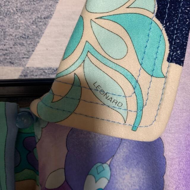 LEONARD(レオナール)のLEONARD レオナール正規品!ロゴいっぱいの素敵なカットソー レディースのトップス(カットソー(長袖/七分))の商品写真
