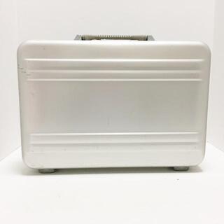 ゼロハリバートン(ZERO HALLIBURTON)のゼロハリバートン - シルバー 金属素材(ビジネスバッグ)