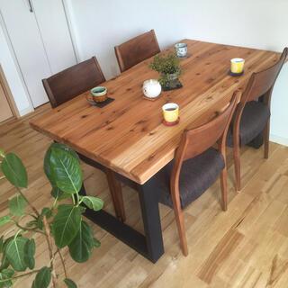国産杉の無垢材 カフェ風ダイニングテーブル サイズカラーオーダー無料 角が滑らか