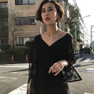 アメリヴィンテージ(Ameri VINTAGE)の即完売!希少! ameri アメリ レーススリーブドレス 黒 ブラック(ミディアムドレス)