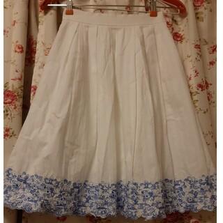 レストローズ(L'EST ROSE)のレストローズ スカート 白(ひざ丈スカート)