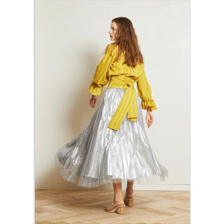 アウラアイラ(AULA AILA)の美品 アウラアイラ シルバー チュールレイヤードスカート(ロングスカート)