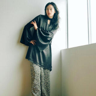 アメリヴィンテージ(Ameri VINTAGE)のMARTE 福袋 サテンワンピース 黒 ヴィンテージ vintage(ひざ丈ワンピース)