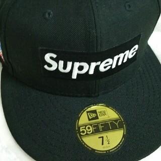 シュプリーム(Supreme)のSupreme World Famous Box Logo New Era (キャップ)