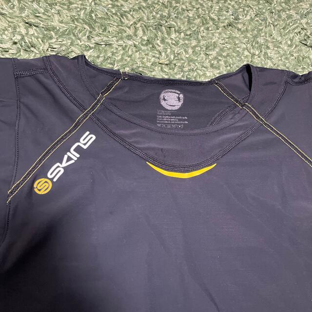 SKINS(スキンズ)のスキンズ  メンズ ノースリーブシャツ A400 スポーツ/アウトドアのランニング(ウェア)の商品写真