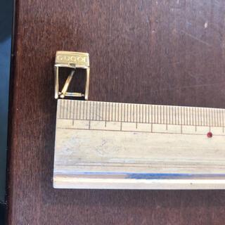 グッチ(Gucci)の送料込 グッチ婦人用時計尾錠 SSゴールド8ミリ幅 中古(腕時計)