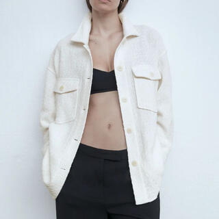 ザラ(ZARA)のZARA パッチポケットシャツジャケット ホワイト S(Gジャン/デニムジャケット)