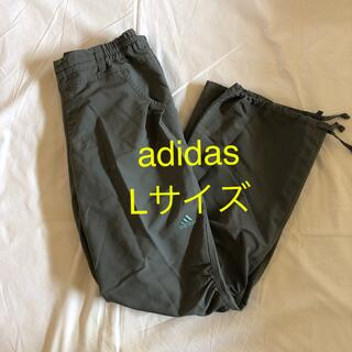 アディダス(adidas)のadidas ロングパンツ グレー Lサイズ フィットネスウエア(ヨガ)