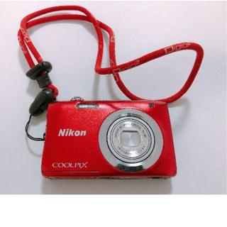 ニコン(Nikon)の【デジカメ】NIKON COOLPIX A100 レッド(コンパクトデジタルカメラ)