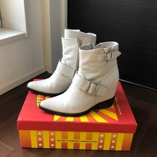 ジェフリーキャンベル(JEFFREY CAMPBELL)の白色皮ブーツ(ブーツ)