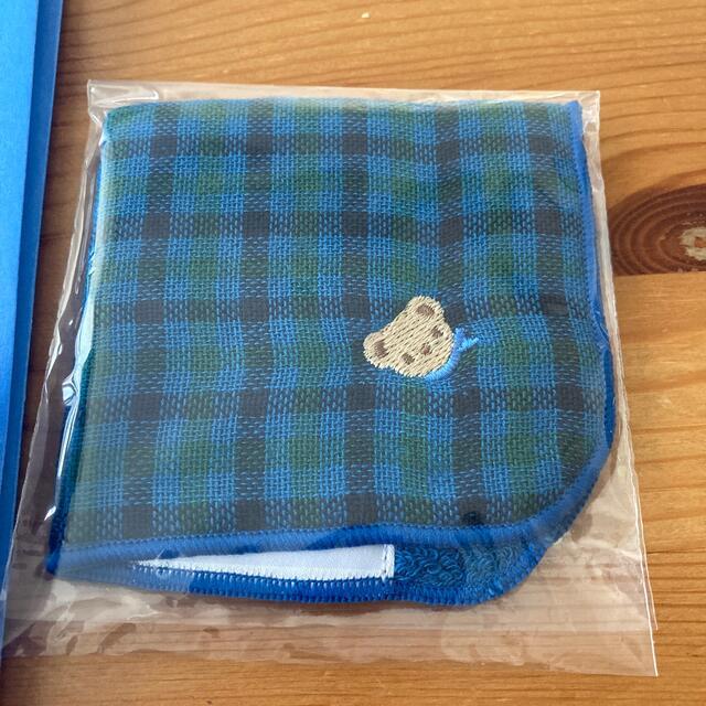 familiar(ファミリア)のfamiliar ミニタオルハンカチとショップ袋。新品未使用。 レディースのファッション小物(ハンカチ)の商品写真