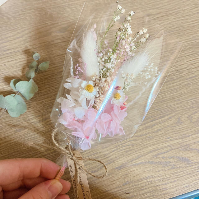 春のぽかぽか ピンク ミニブーケ ❁︎ ドライフラワー ラッピング かすみ草 ハンドメイドのフラワー/ガーデン(ドライフラワー)の商品写真