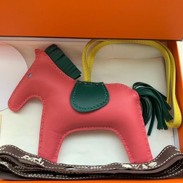 Hermes(エルメス)の本日のみSALE!美品 エルメス ロデオ チャーム MM ピンク ハンドメイドのファッション小物(バッグチャーム)の商品写真