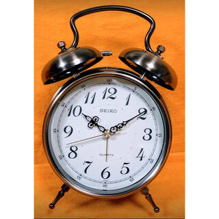SEIKO - 懐かしい昭和レトロ商品⭐️SEIKO⭐︎目覚まし時計 KG564Kアナログ時計