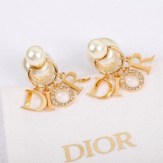 Dior - クリスチャンディオール  ゴールド パール ピアス