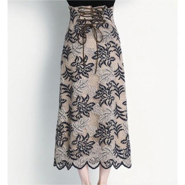 Lily Brown(リリーブラウン)のリリーブラウン バイカラーフラワーレーススカート タグ付き レディースのスカート(ロングスカート)の商品写真