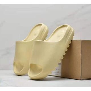 アディダス(adidas)の期間限定値下げADIDAS YEEZY SLIDE RESIN 28CM(サンダル)