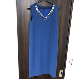 ロートレアモン(LAUTREAMONT)のLAUTREAMONT ビジュー付Vネックドレス(ミディアムドレス)