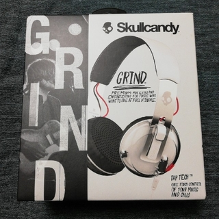 Skullcandy - [新品・未開封品] Skullcandy GRIND (通話機能搭載ヘッドホン)