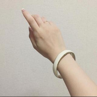 ザラ(ZARA)のvintage bangle 〜white〜(ブレスレット/バングル)