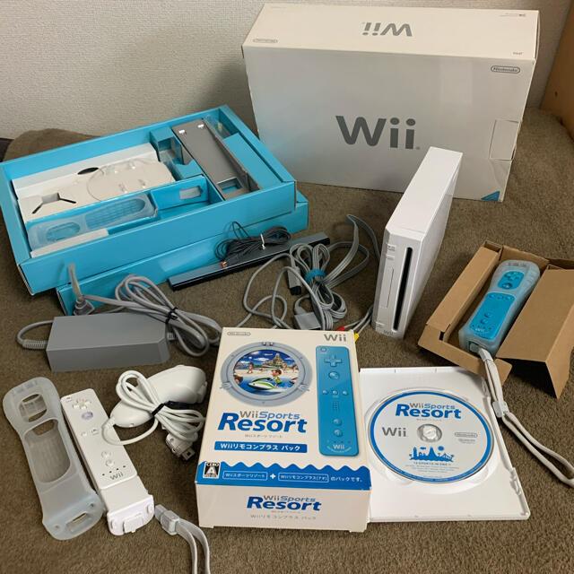 Wii(ウィー)のSALE!Wii 任天堂 初期化済 ソフト&リモコン2台付! エンタメ/ホビーのゲームソフト/ゲーム機本体(家庭用ゲーム機本体)の商品写真
