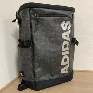アディダス ボックス型リュック 23L 新品 バックパック マットシルバー