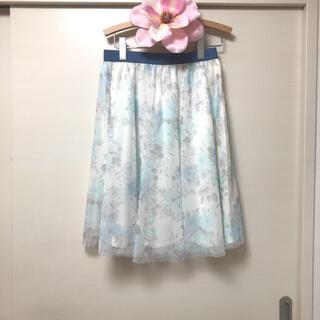 レストローズ(L'EST ROSE)の💙 お値下げ💙レストローズの花柄フレアスカート💙(ひざ丈スカート)