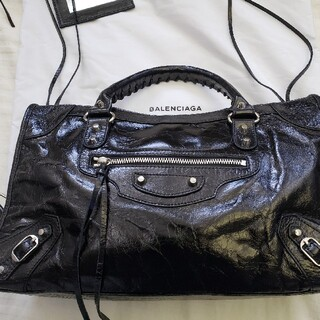 Balenciaga - 黒色のハンドバッグ