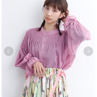 merlot - 【【最終価格】merlot シフォンデコルテギャザーブラウス(ピンク)