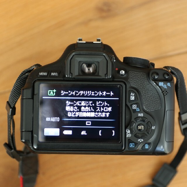 Canon(キヤノン)のCanon EOS KISS X5 Wズームキット スマホ/家電/カメラのカメラ(デジタル一眼)の商品写真