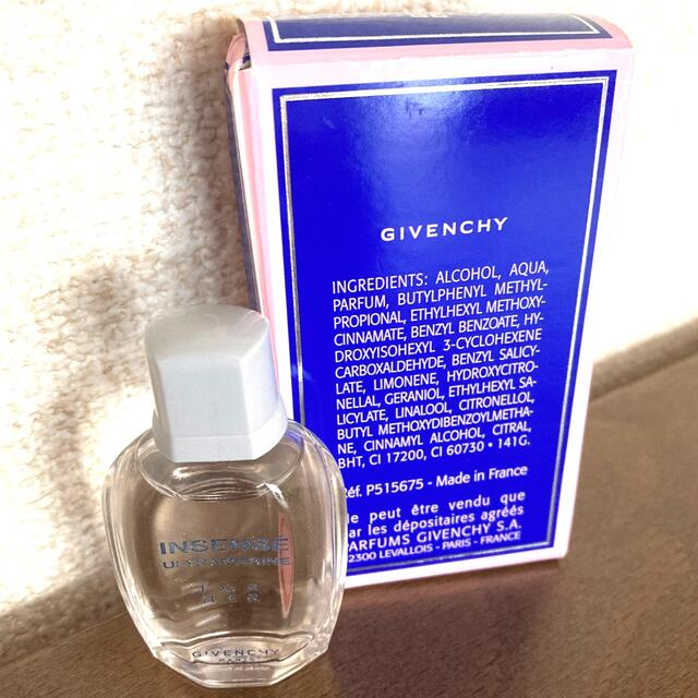 GIVENCHY(ジバンシィ)の【新品】GIVENCHY 香水 ミニボトル FOR Her 未使用 残量100% コスメ/美容の香水(香水(女性用))の商品写真