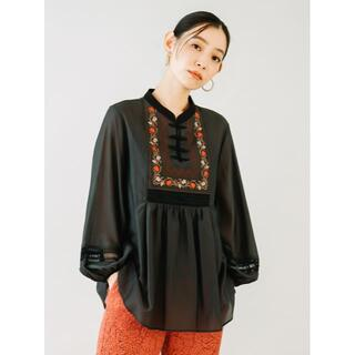 Lily Brown - Lily Brown 刺繍シアーブラウス 大人なブラックです!