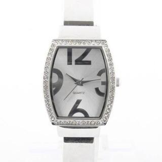 エイボン(AVON)のエイボン バングルウォッチ レディース クォーツ 美品 電池交換済 N03867(腕時計)