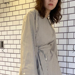 TOMORROWLAND - BACCAストライプアシンメトリーシャツ